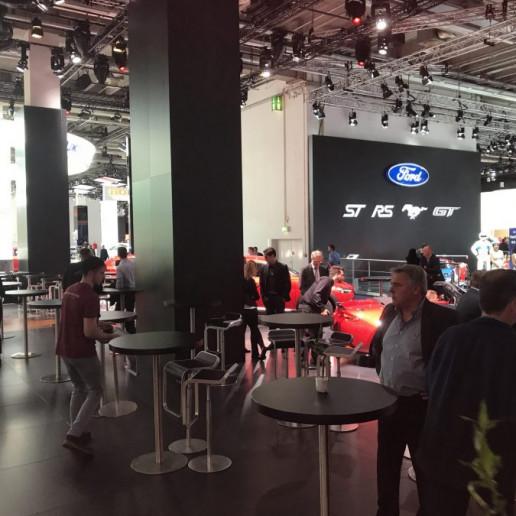 Mazda Messeaktivierung IAA: Messegäste auf dem Messestand