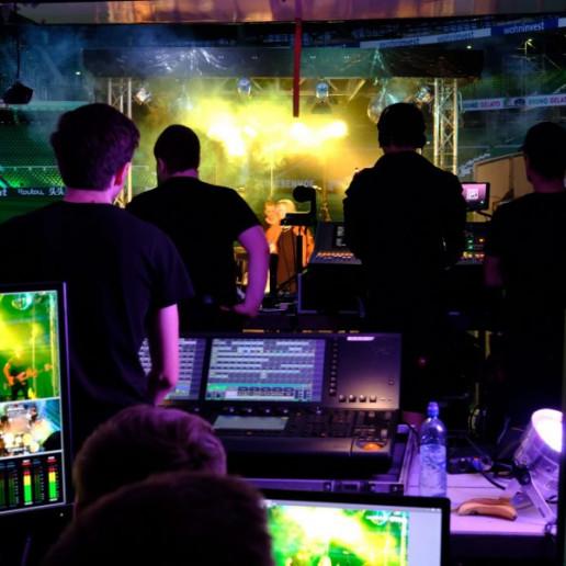 Werder Opening Weekend: Ein Blick hinter die Kulissen aus Sicht der Techniker auf die Bühne.
